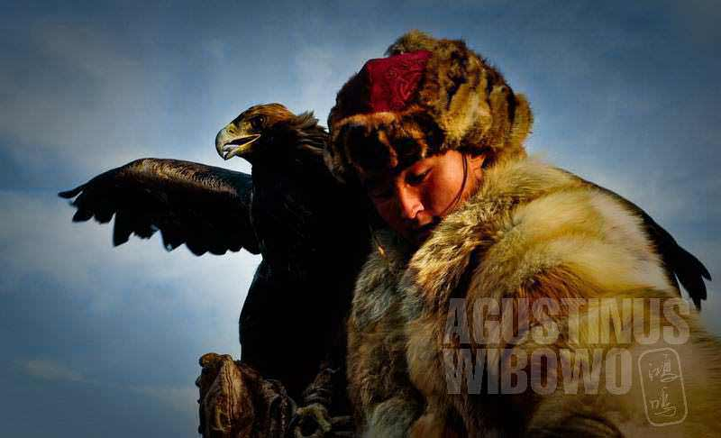 An eagle hunter in Mongolia, By: Agustinus Wibowo