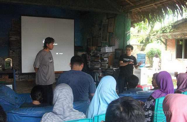 1303-indonesiakreatif-travel-writer-2