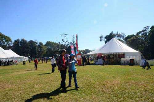 Dari tenda ke tenda di festival penulis Byron Bay
