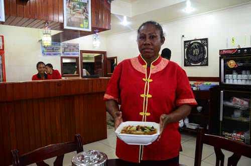 Pelayan restoran China