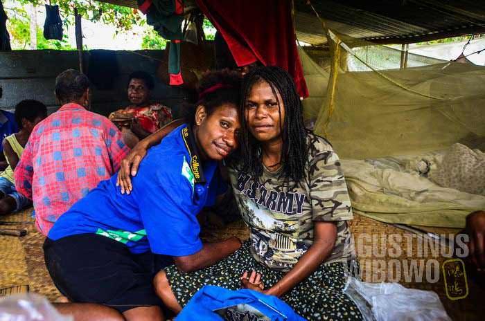 Sisi dan sahabat karibnya, Marcella (AGUSTINUS WIBOWO)