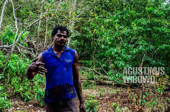 Ger, cukup menikmati hidup di Papua Nugini yang santai dibandingkan Merauke yang sibuk (AGUSTINUS WIBOWO)