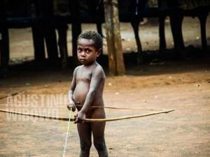 Pahlawan yang berkulit hitam hidup dengan busur dan panah (AGUSTINUS WIBOWO)