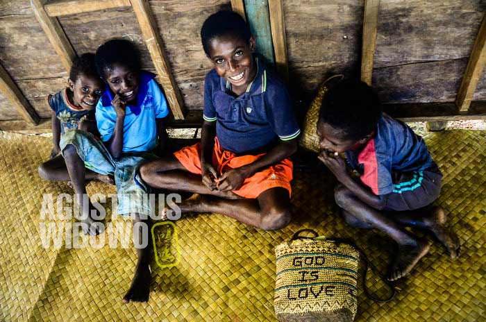 Dalam gereja mereka belajar bahwa Tuhan adalah Kasih (AGUSTINUS WIBOWO)