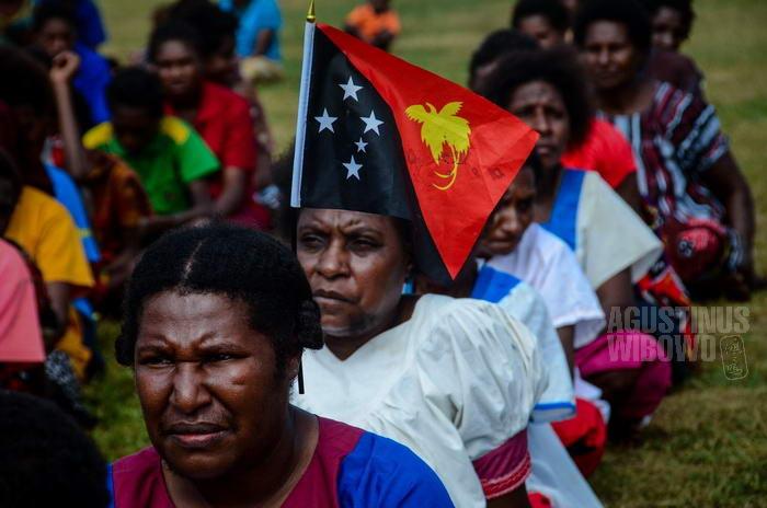 Papua Nugini mendapat kemerdekaannya dari Australia