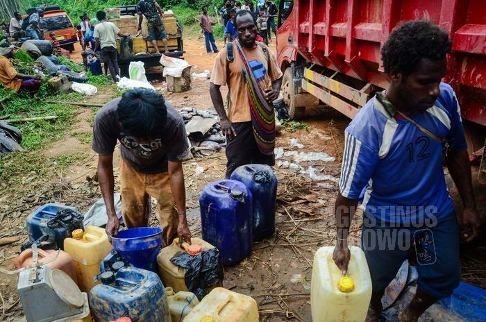 Penjualan bensin bersubsidi kepada warga PNG
