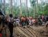 Pejabat Papua Indonesia bicara kepada orang-orang Papua Nugini dalam bahasa Indonesia