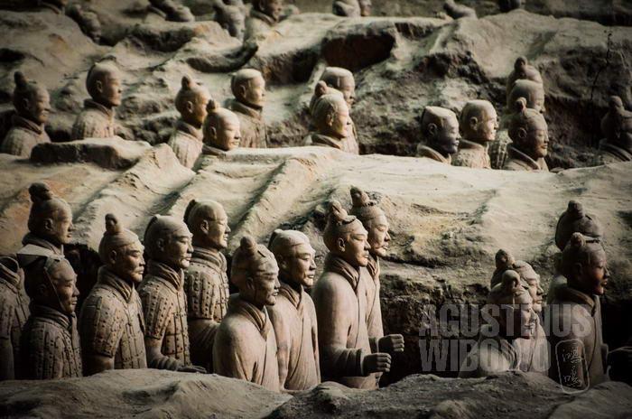Bagi China, Jalur Sutra kuno lebih bermakna politis atau militer.