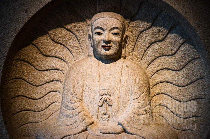 Buddhisme yang masuk ke China pun telah disesuaikan dengan budaya dan wujud rupa orang China.