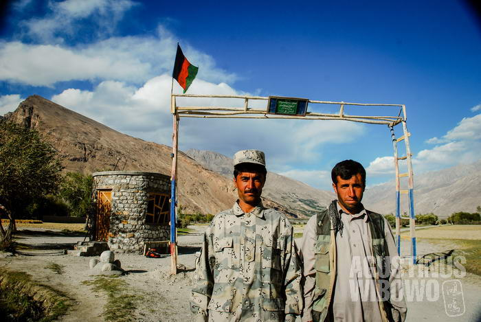 Tentara perbatasan Afghan di Qala Panja