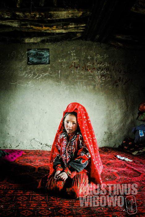 Sekolah bagi anak-anak Pamir juga turut berpindah mengikuti perpindahan bangsa nomaden