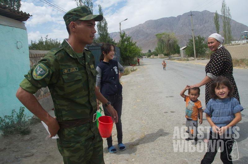 Penduduk Kirgiz di Ak-Sai pun memiliki kekhawatiran yang serupa dengan warga Tajik di Vorukh.