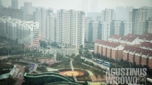 Kelebihan kapasitas produksi dan inefisiensi adalah masalah perekonomian China saat ini.