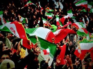 1pic1day-130916-iran-nationalism-in-footbal-stadium