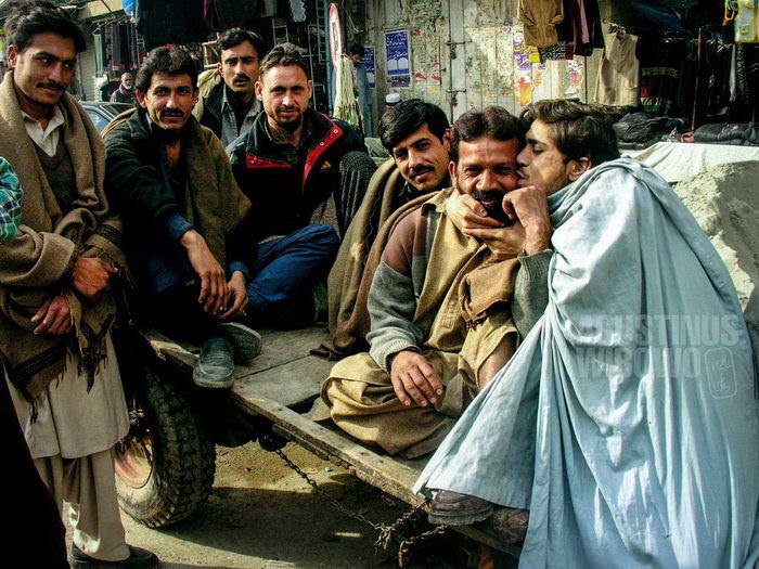 1pic1day-131227-pakistan