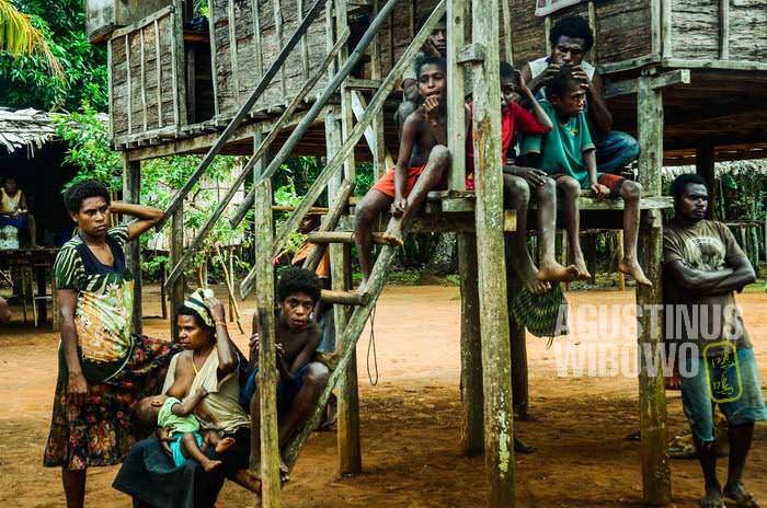 Salah satu penantian mereka adalah:  Indonesia datang mengubah nasib mereka (AGUSTINUS WIBOWO)