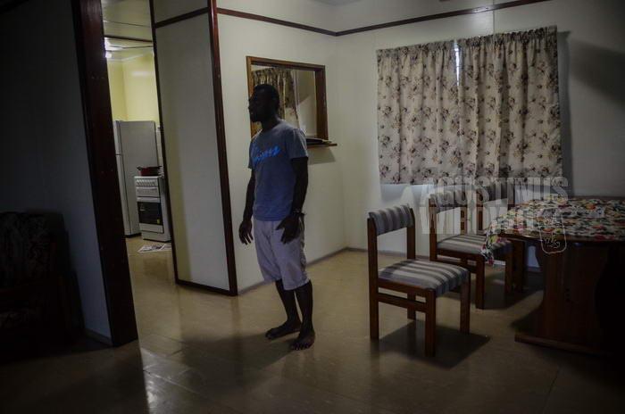 Di dalam rumah seorang pekerja tambang Ok Tedi