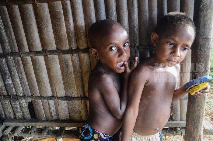 141024-png-digo-opm-refugee-school-4