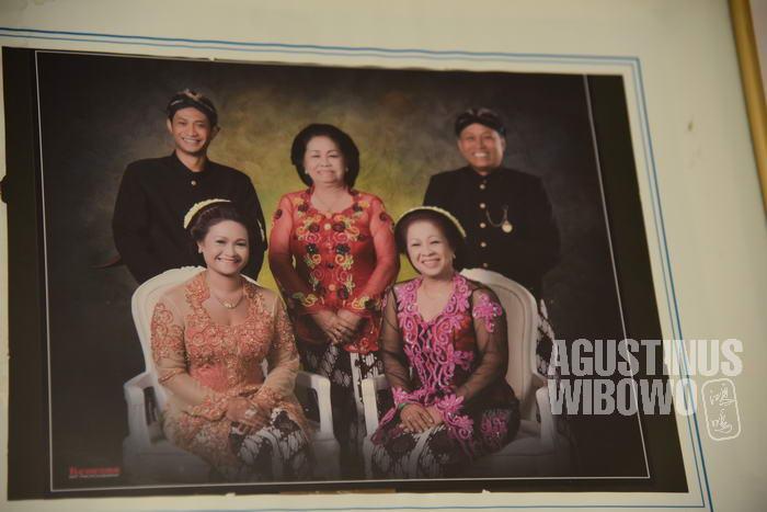 Mak Djainem dan keluarga saat berkunjung ke Yogyakarta