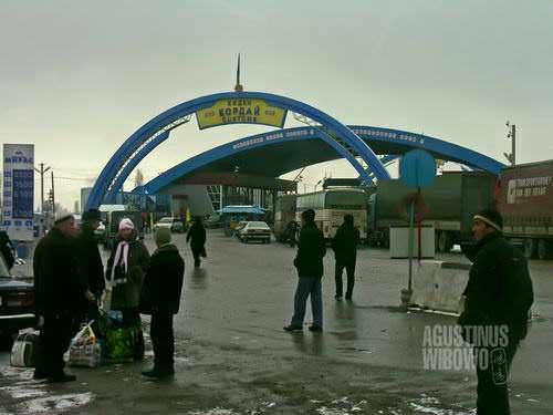 Pintu perbatasan Kazakhstan (AGUSTINUS WIBOWO)