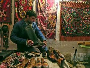 Tukang sepatu dari Bukhara (AGUSTINUS WIBOWO)