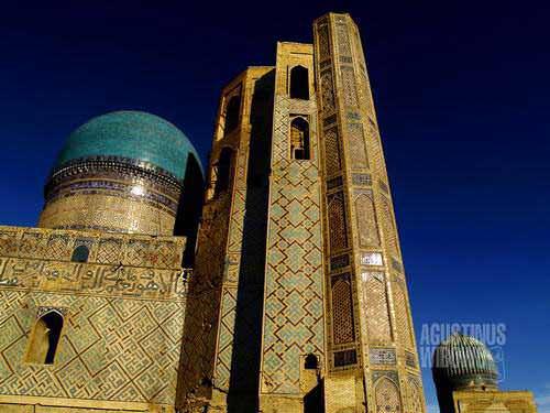 Reruntuhan Masjid Bibi Khanym (AGUSTINUS WIBOWO)
