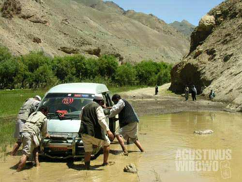 Navigating through Afghan's unforgiving roads, this kind of incident is not uncommon at all.