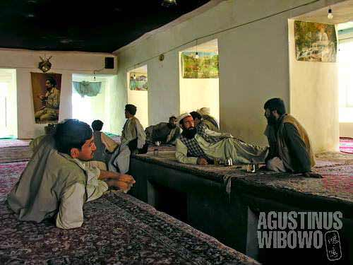 Atmosphere in a teahouse in Herat province. Teahouse is not only a place for taking meal and drinking tea, but also a socializing place for the villagers to exchange gossips, as well as place for travelers to break their journeys.