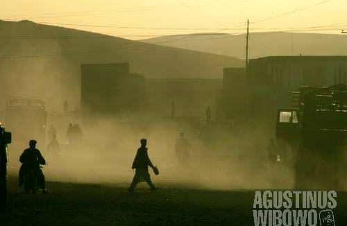 Sunset in dusty Chekhcheran, the capital of Ghour