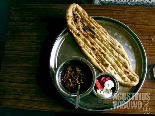 Fantastic breakfast: big bread and bean soup
