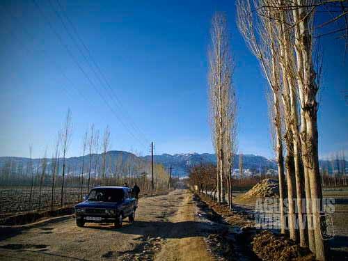 An Uzbek car inside the Kyrgyz land, illegally but very normal.