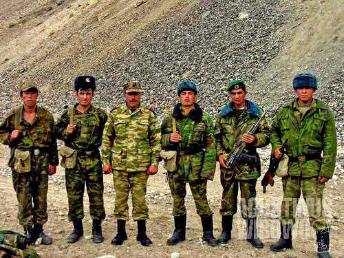 Tillo and his soldiers, just next the Langar border post