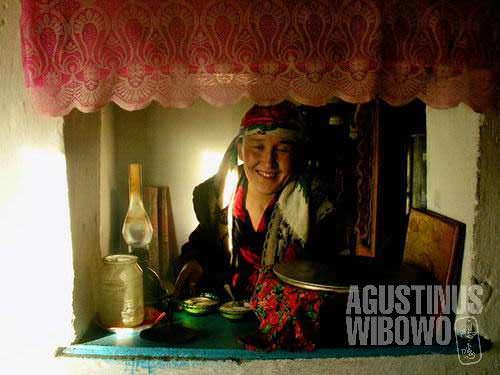 Kyrgyz lady, the restaurant owner in Alichur