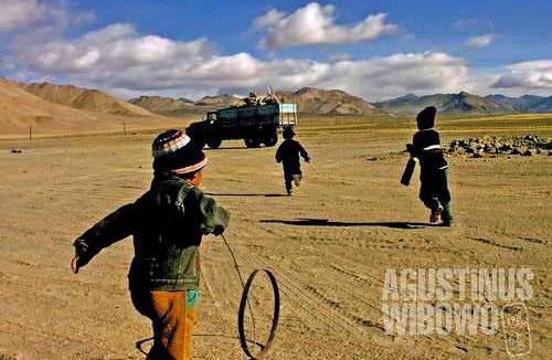 Those happy Kyrgyz boys of Alichur