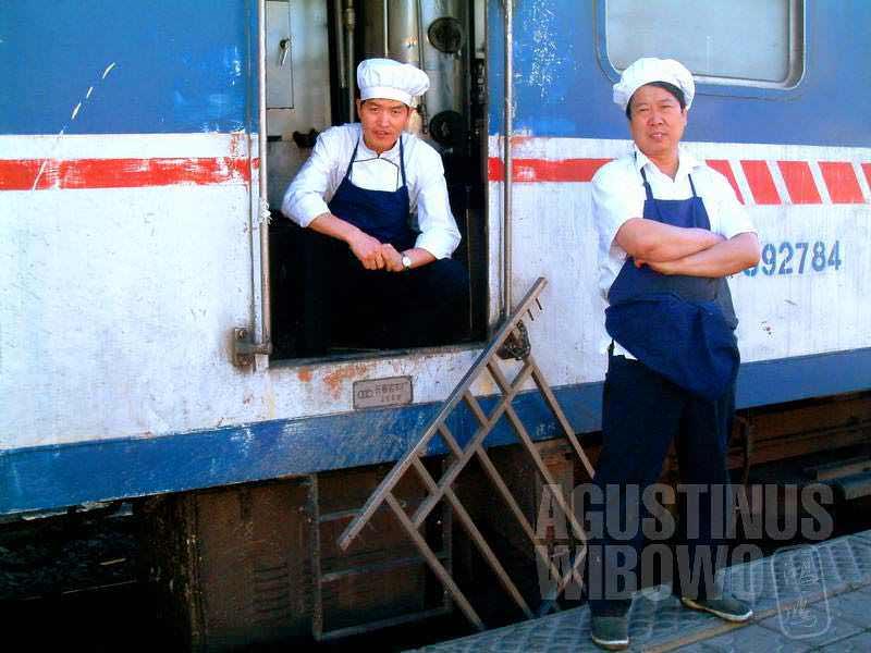 Para juru masak kereta (AGUSTINUS WIBOWO)