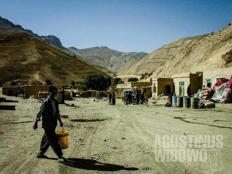 1.Begitu memasuki Hazarajat, air melimpah, tanah lebih hijau (AGUSTINUS WIBOWO)