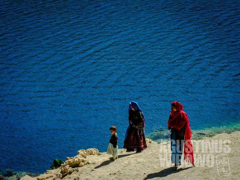 5.Para peziarah Hazara (AGUSTINUS WIBOWO)