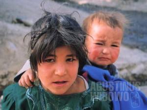 Bocah-bocah dari negeri perang (AGUSTINUS WIBOWO)