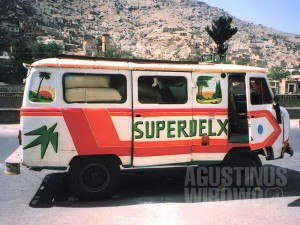 Super Deluxe Bus ala Afghanistan (AGUSTINUS WIBOWO)