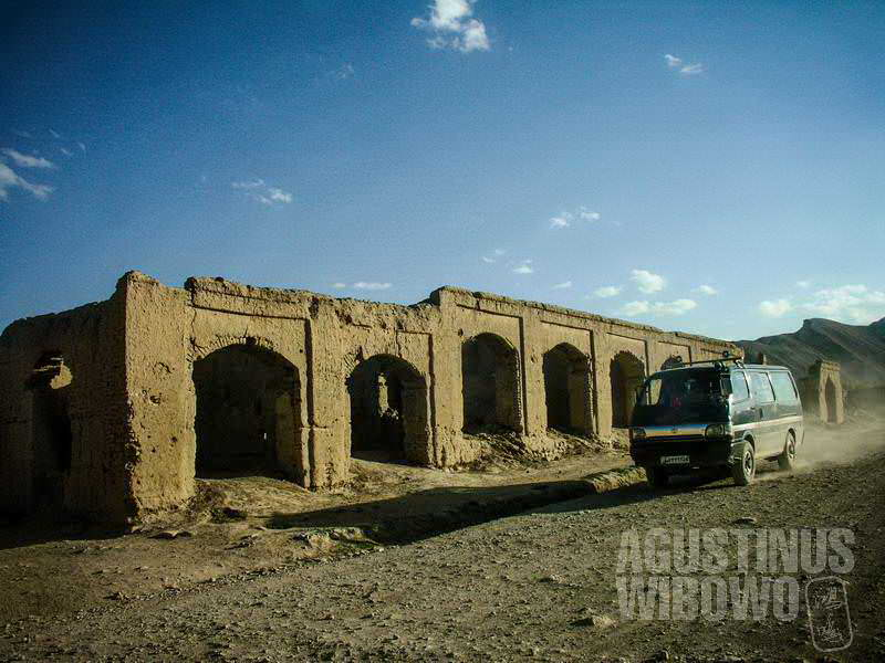 Kota tua Bamiyan yang hancur lebur karena perang berkepanjangan (AGUSTINUS WIBOWO)