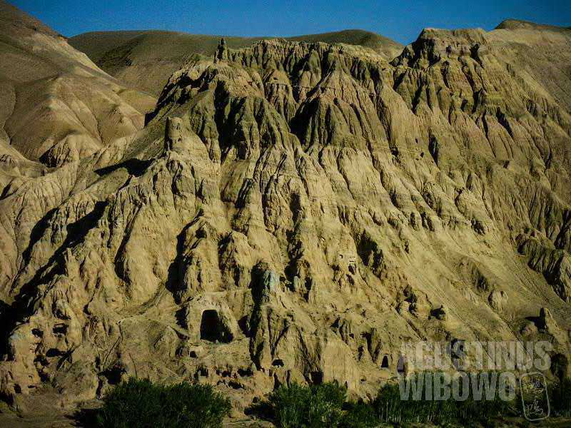Gua-gua yang ribuan tahun lalu berhiaskan lukisan Buddhis (AGUSTINUS WIBOWO)