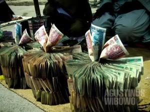 Andaikan aku punya uang sebanyak ini. (AGUSTINUS WIBOWO)