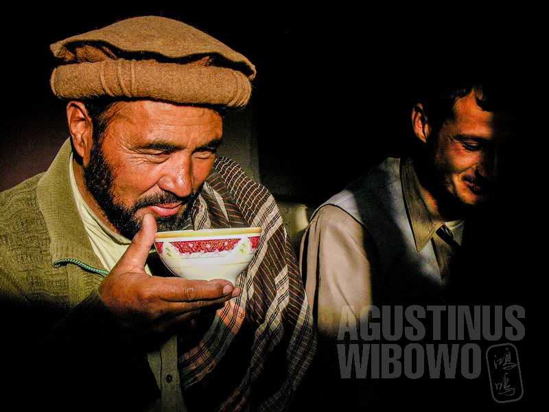 3.Tiada hari yang dimulai tanpa teh (AGUSTINUS WIBOWO)