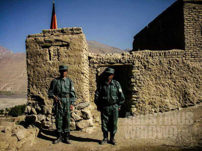 4.Penjaga perbatasan Afghanistan (AGUSTINUS WIBOWO)