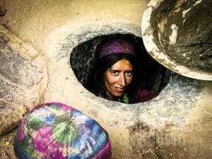 1.Perempuan di dalam tandur (AGUSTINUS WIBOWO)