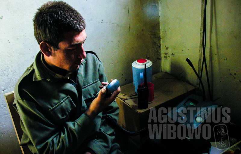 6.Radio untuk menjaga keamanan garis batas (AGUSTINUS WIBOWO)