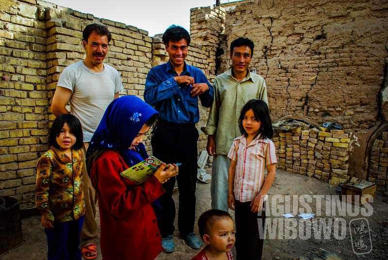 3.Bagaimanapun juga, kehidupan di sini masih lebih nyaman daripada di Afghanistan (AGUSTINUS WIBOWO)