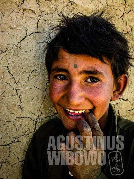 4.Senyum manis (AGUSTINUS WIBOWO)