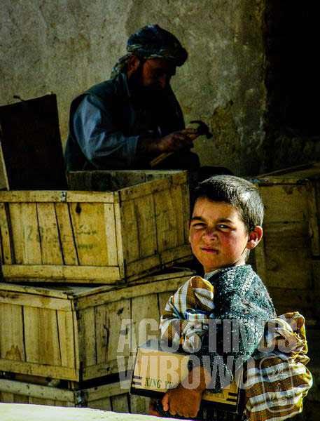 1.Bocah-bocah Afghan jauh lebih tua daripada umur sebenarnya (AGUSTINUS WIBOWO)