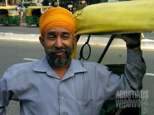Seorang sopir autorickshaw dari Delhi. (AGUSTINUS WIBOWO)
